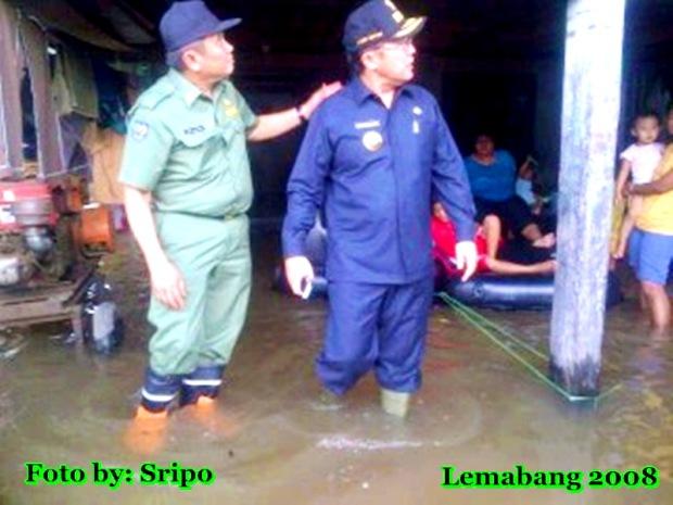 Eddy Santana Tinjau Banjir Rob