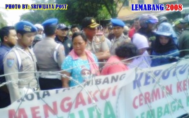 Kapolresta Palembang Berhasil Redam Massa