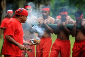 Bambu Gila Permainan Mistis dari Ternate