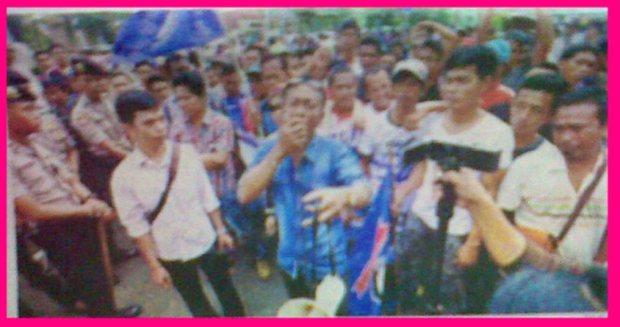 Ratusan Sopir Angkot Datangi Kantor Wali Kota
