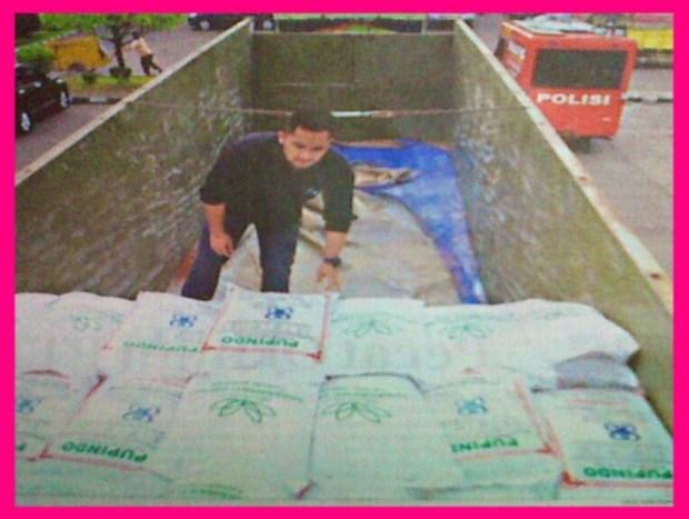 Pupuk Tujuan Muara Enim, Bongkar di Palembang