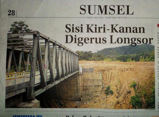 Sisi Kiri-Kanan Digerus Longsor | LEMABANG 2008 -- Berita, Photo, dan Wallpaper